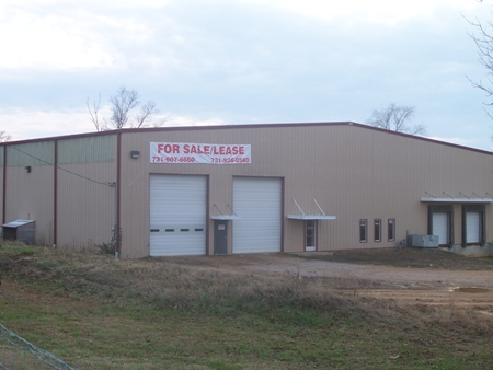 778 Dowty Road Building | 10,000 sq. ft.